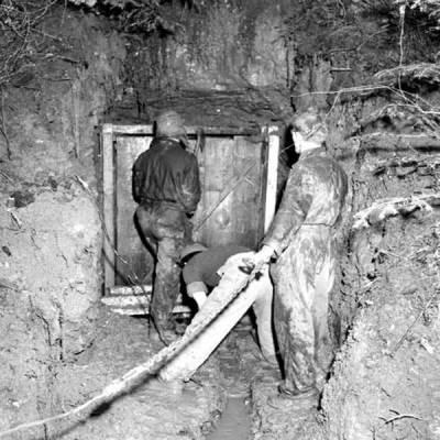 Odnalezione wejście do bunkra w Stechovicach