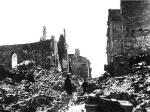 Ruiny powojennej Warszawy (ze zbiorów Narodowego Archiwum Cyfrowego)